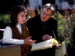 Rebecca Pidgeon and Phillip Seymour Hoffman in State and Main.