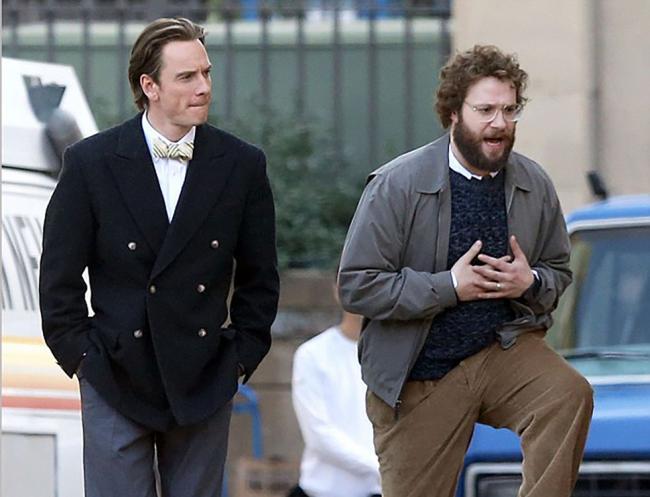 Michael Fassbender and Seth Rogen as the Apple co-founders, Steve Jobs and Steve Wozniak in Steve Jobs.
