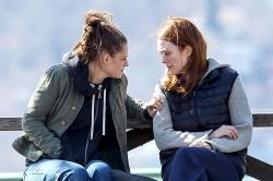 Kristen Stewart and Julianne Moore in Still Alice.