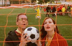 Hugh Laurie and Geena Davis in Stuart Little 2.