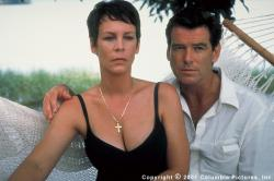 Jamie Lee Curtis and Pierce Brosnan in The Tailor of Panama.