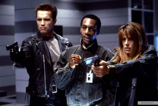 Arnold Schwarzenegger, Joe Morton and Linda Hamilton in Terminator 2: Judgment Day.