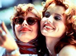 Susan Sarandon as Louise and Geena Davis as Thelma.