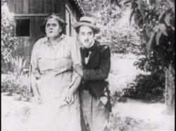 Marie Dressler and Charlie Chaplin in Tillie's Punctured Romance.