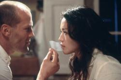 Jason Statham and Qi Shu in The Transporter.