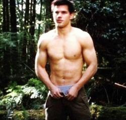 Taylor Lautner reveals his talents in Breaking Dawn - Part 2.