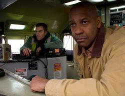 Chris Pine and Denzel Washington in Unstoppable.