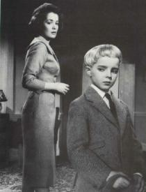 Barbara Shelley and Martin Stephens in Village of the Damned