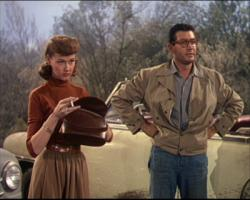 Ann Robinson and Gene Barry in The War of the Worlds.