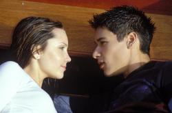 Amanda Bynes and Oliver James in What a Girl Wants.