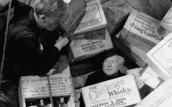 Gordon Jackson, Morland Graham and many cases of whiskey in Whiskey Galore!