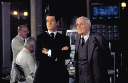 Pierce Brosnan and Desmond Llewelyn in The World is Not Enought.
