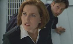 Gillian Anderson and David Duchovney in The X-Files: Fight the Future.