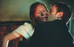 Tilda Swinton and Ewan McGregor in Young Adam.